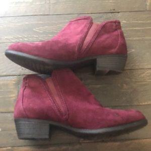 Maurice's maroon slip on booties